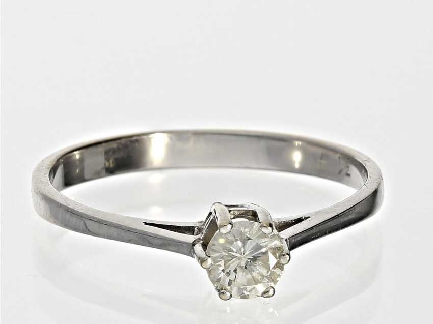 Ring: white Golden vintage solitaire diamond ring, 0.31 ct - photo 1