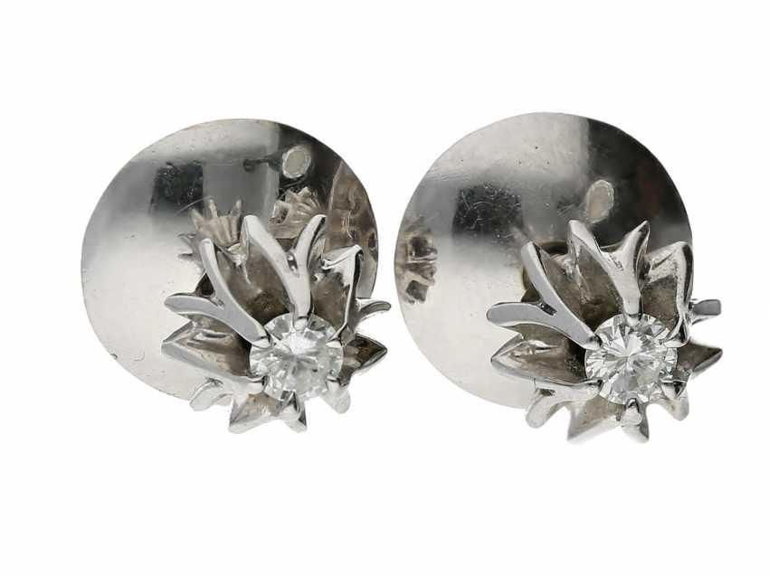 Earrings: brilliant cut stud earrings in white gold. - photo 1