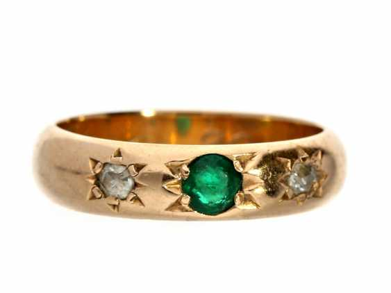 Ring: antique emerald/diamond ring, circa 1900 - photo 1