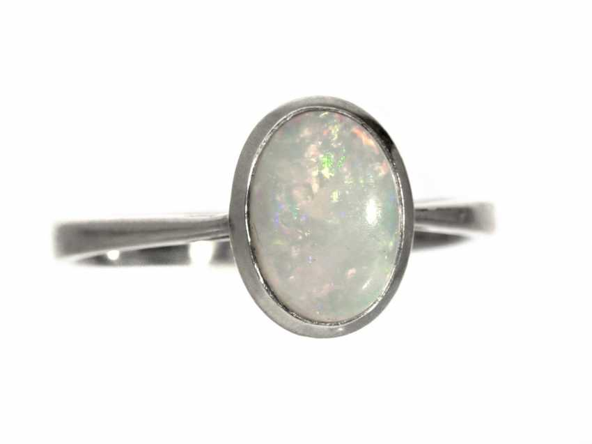 Ring: very beautiful, white Golden vintage Opal gold forged ring - photo 1