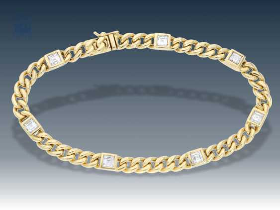 Bracelet: decorative and solid gold forged bracelet with fine diamonds, approx 1.05 ct - photo 2