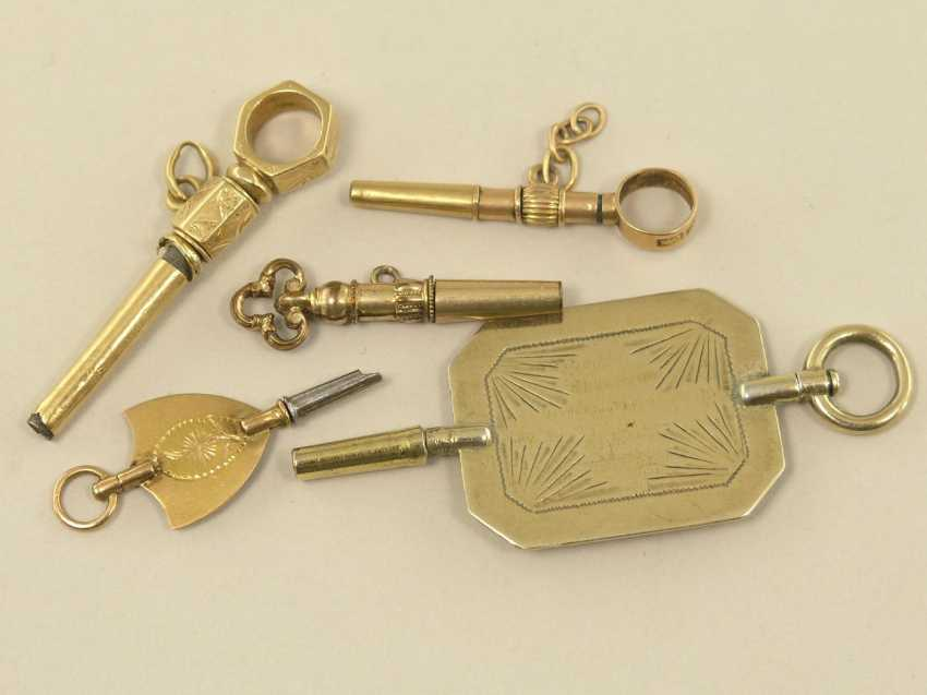 Pocket watch: lot of 5 exceptional spindle watch keys, mostly 18K Gold - photo 1