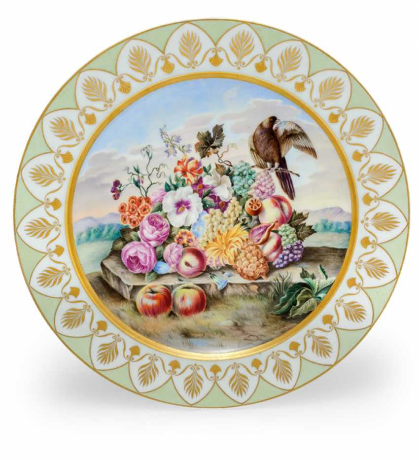Round plate life with fruit style - photo 1