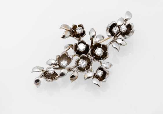 Flower branch brooch with diamonds - photo 1