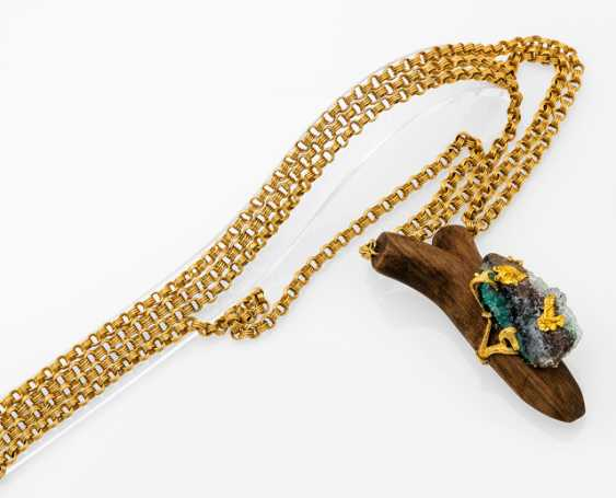 Gold necklace with fancy pendant - photo 1