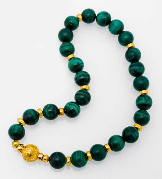 Malachite necklace with granulated Gold Buckle - photo 1