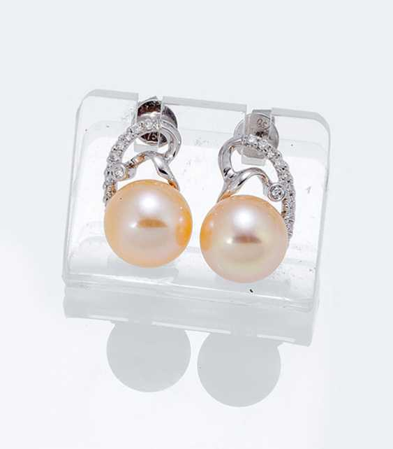 Pair Of Pearl And Diamond Clip Earrings - photo 1