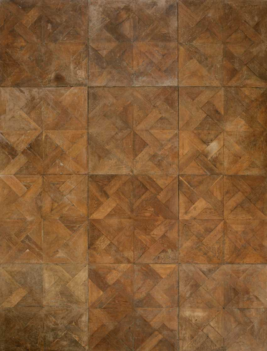 Parquet floor - photo 1