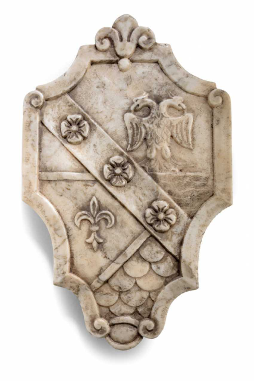 Marble Heraldic Cartouche - photo 1