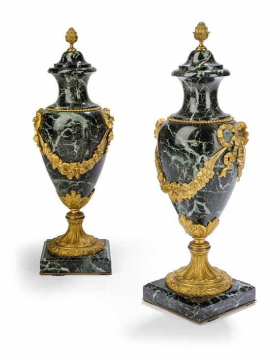 Pair Of Fireplace Vases - photo 1