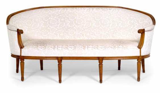 Louis XVI-Sofa - photo 1