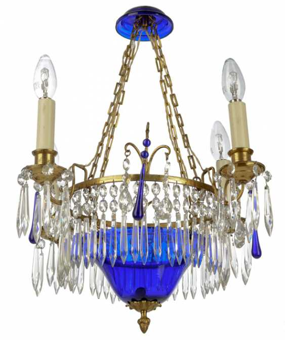 Ceiling lamp in classical style - photo 1