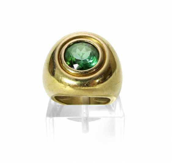 RING WITH A GREEN TOURMALINE (?) - photo 1