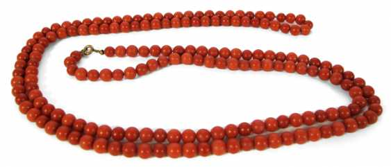 CORAL NECKLACE, ITALY, - photo 1