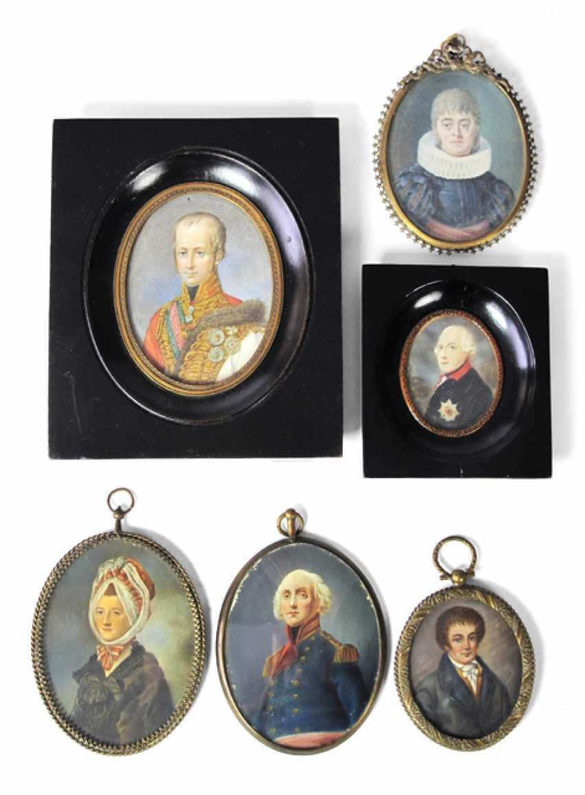 6 PORTRAIT MINIATURES, AMONG OTHER THINGS - photo 1