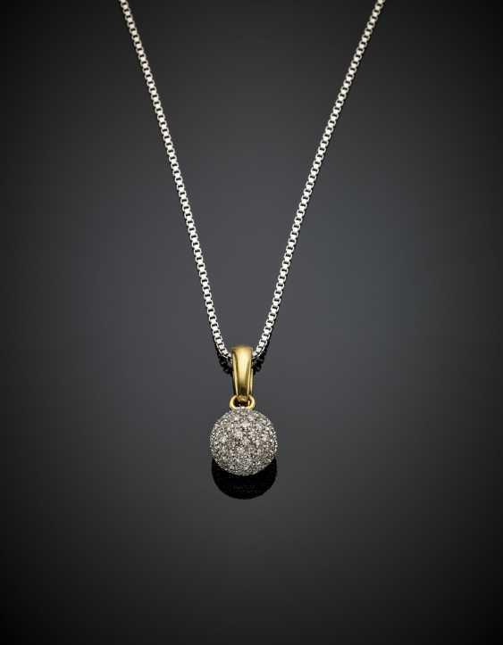Chain white gold pendant ball 2 cm - photo 1