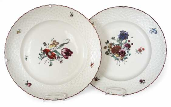 PAIR OF PLATES, LUDWIGSBURG - photo 1