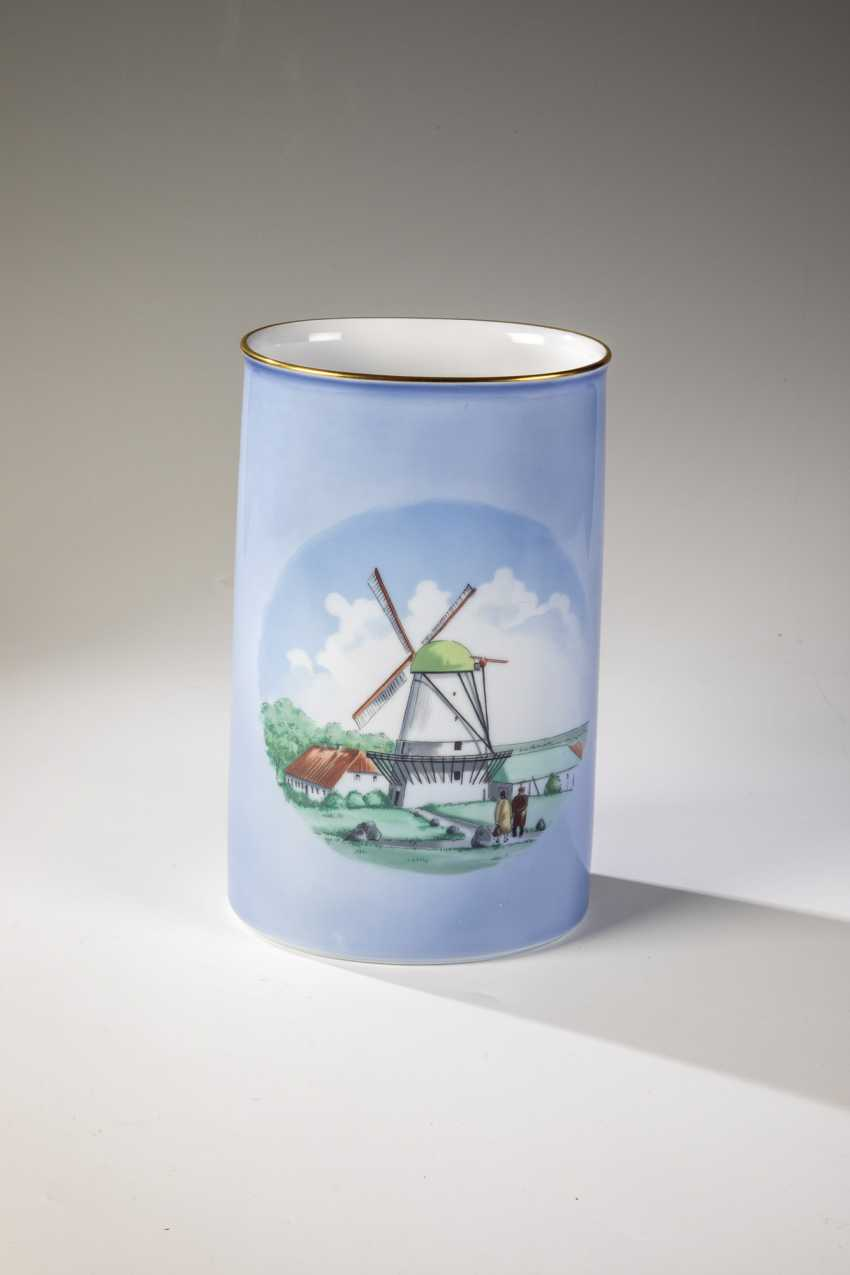 Cylindrical Vase - photo 1