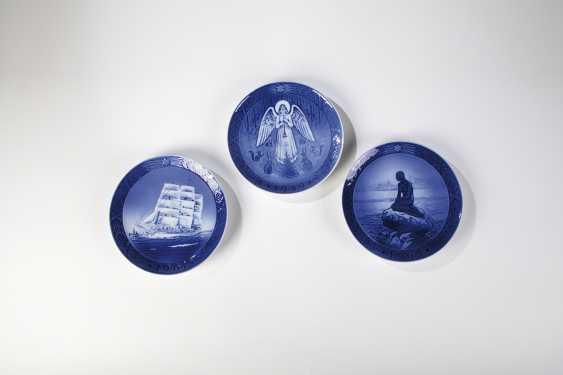 Three Plates - photo 1