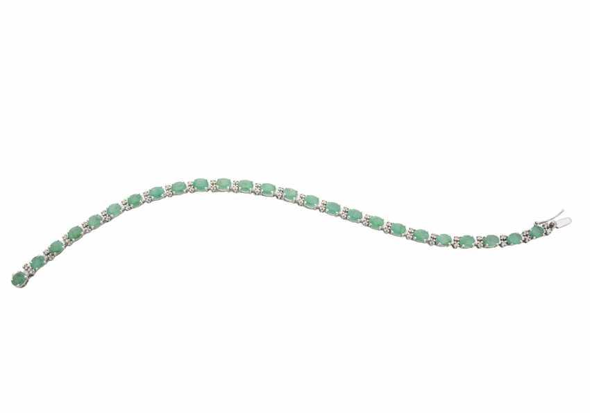 Emerald bracelet with diamonds - photo 1
