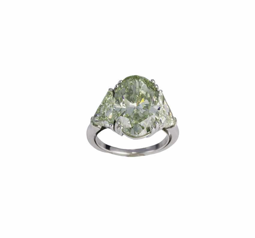 Important Fancy Diamond Ring - photo 1