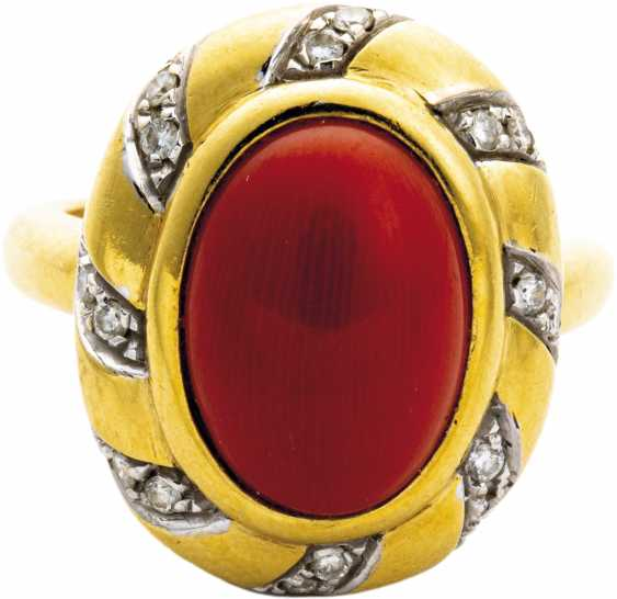 Coral ring with diamonds - photo 1