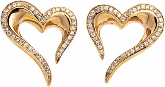 Heart stud earrings with diamonds - photo 1