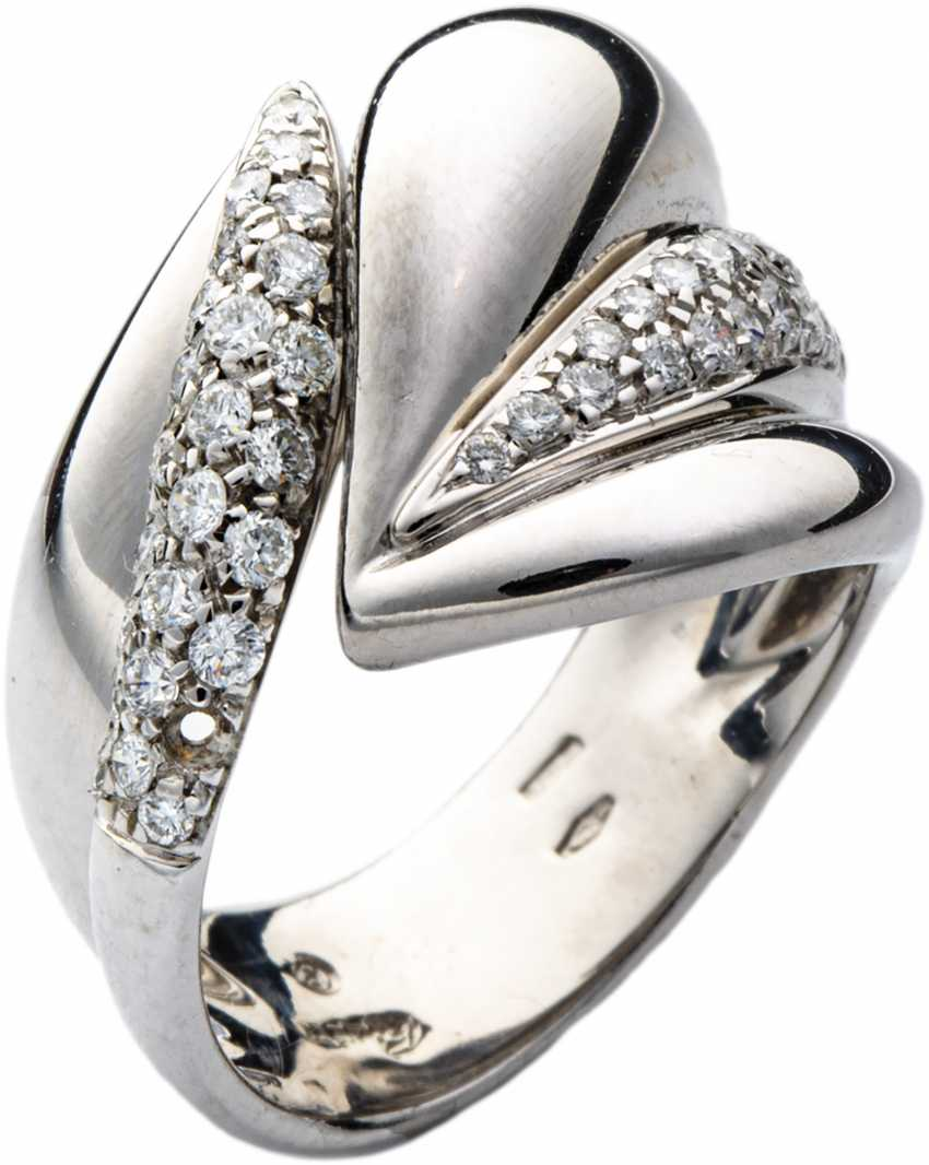 White gold ring with diamonds - photo 1