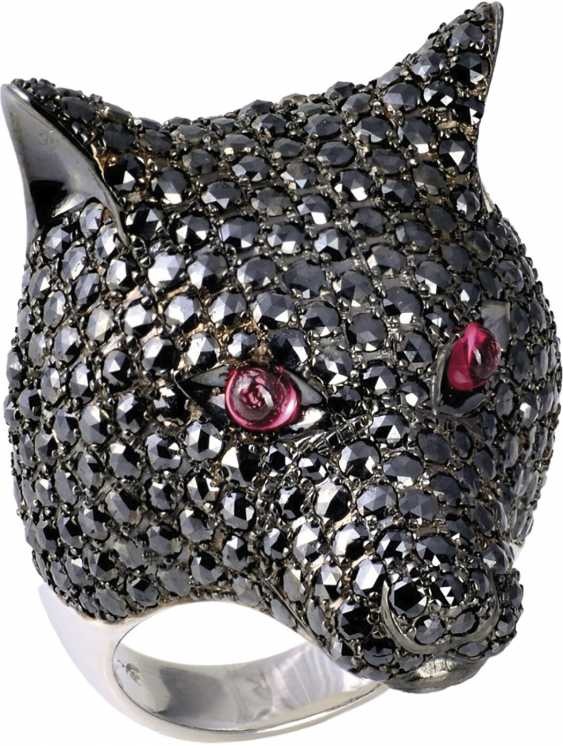 Wolf head Ring with black diamonds - photo 1