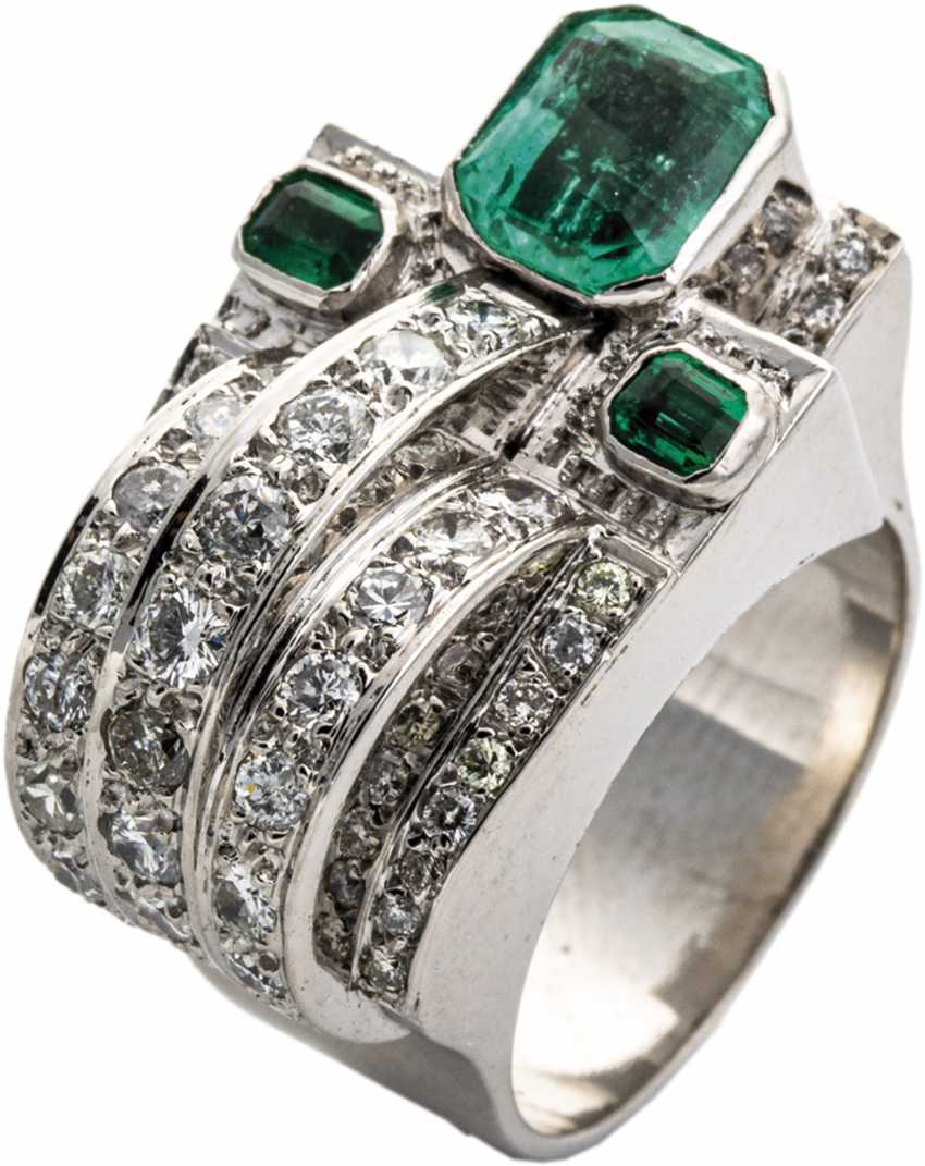 Chevalier Ring with diamonds and emeralds - photo 1