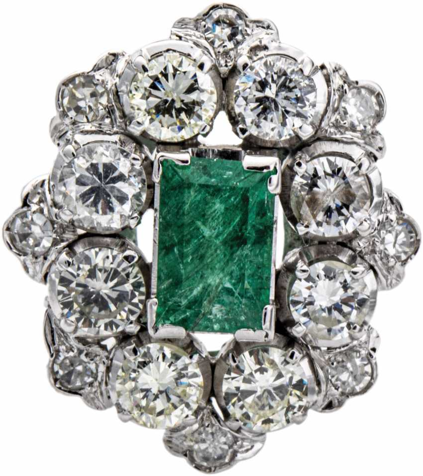 Cocktail ring with diamonds and emerald - photo 1