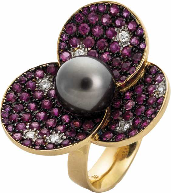 Flower ring with rubies and Tahitian pearl - photo 1