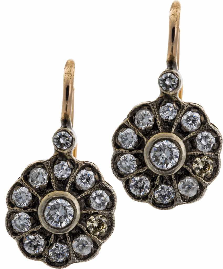 Rosette earrings with diamonds - photo 1
