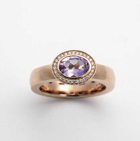 Gold ring with Amethyst and diamonds - photo 1