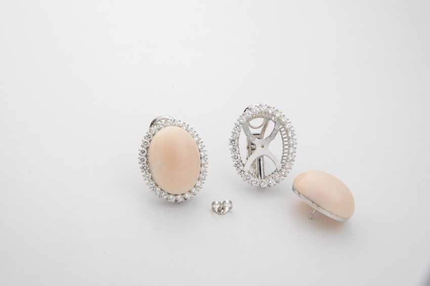 Gorgeous clip earrings with angel skin coral and diamonds - photo 1