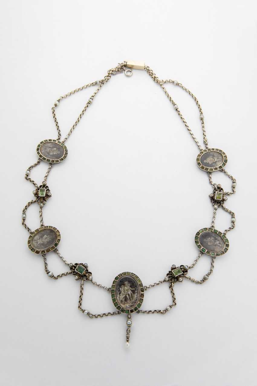 Silver necklace with seed pearls, emeralds and medallions - photo 1
