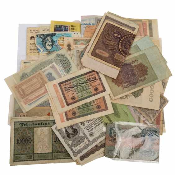 Bundle of Bank notes with Austria, - photo 1