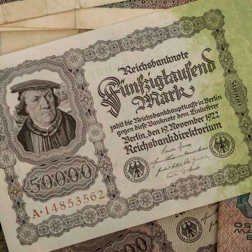 Bundle of Bank notes with Austria, - photo 3