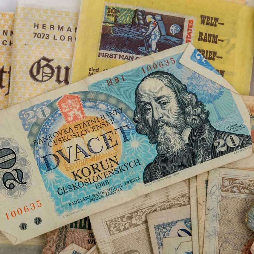Bundle of Bank notes with Austria, - photo 4