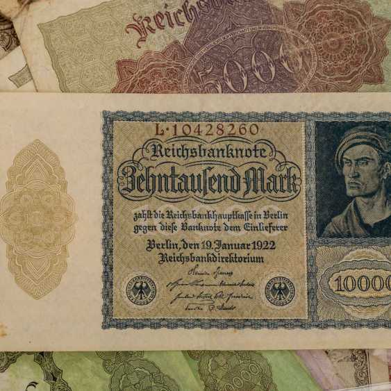 Bundle of Bank notes with Austria, - photo 6