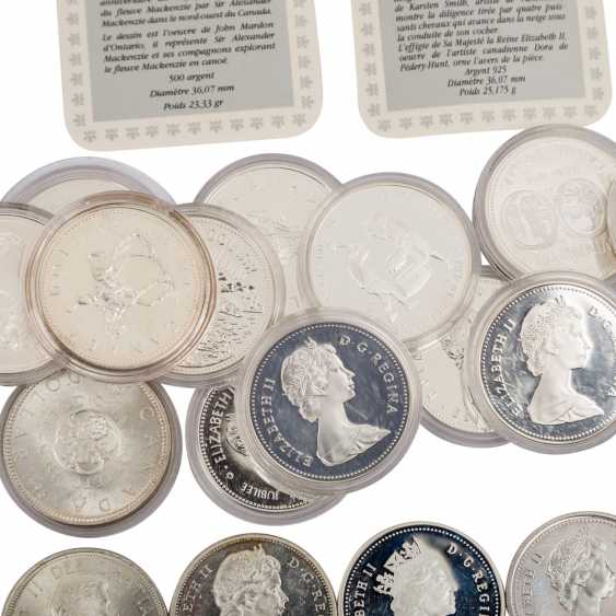Canada - approx. 23 silver Dollars, spending the majority of  - photo 3