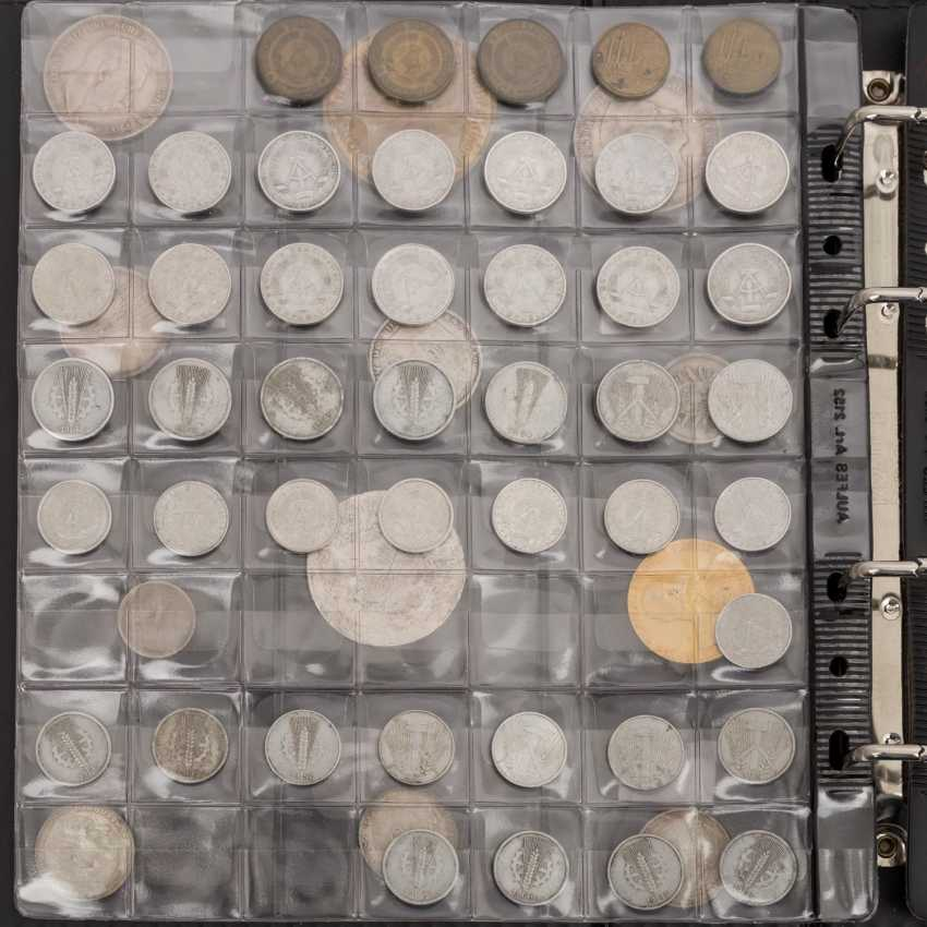 Coins, medals and banknotes from all over the world - photo 2
