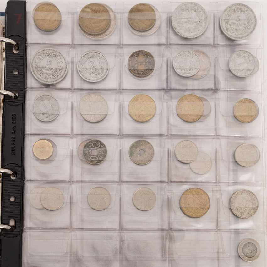 Coins, medals and banknotes from all over the world - photo 4