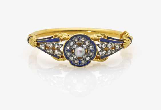Bangle bracelet with diamonds, pearl and enamel - photo 1