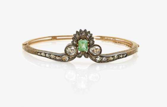 Bangle with diamonds and emerald - photo 1