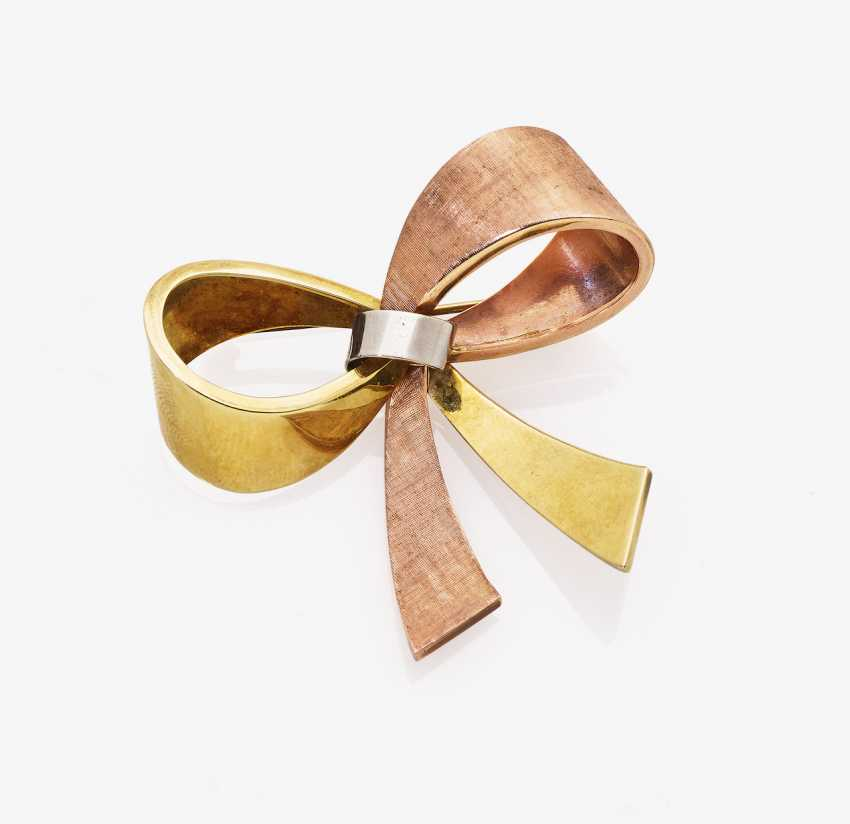Brooch in the Form of a loop - photo 1