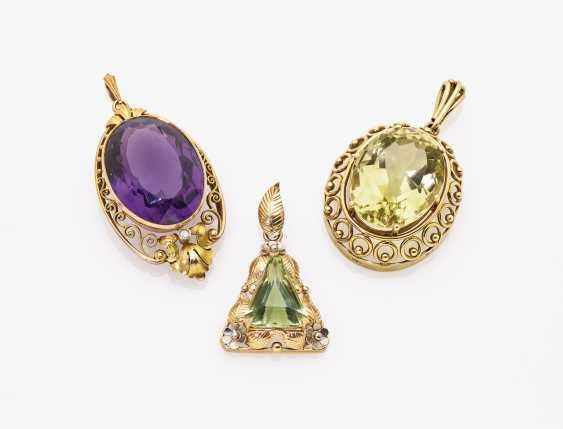 Three pendants with different colour stones - photo 1