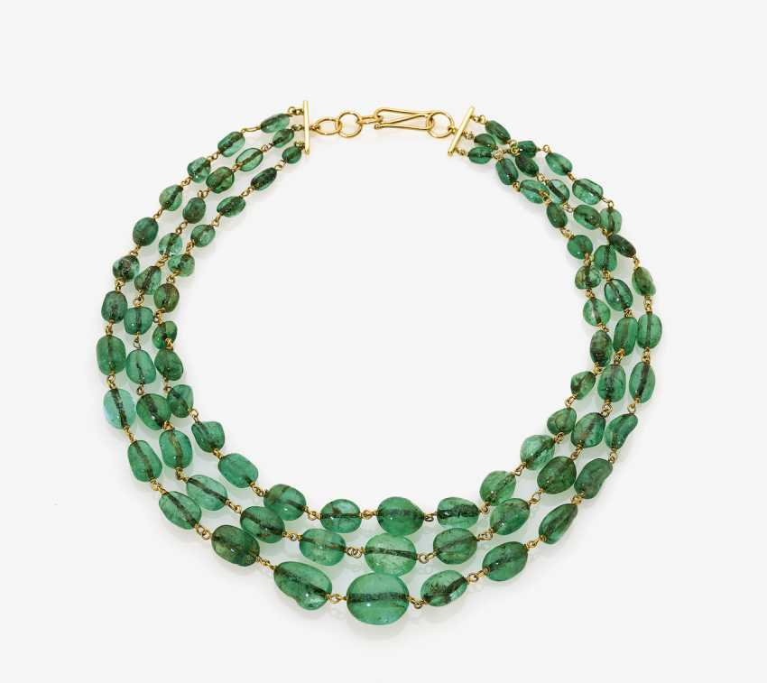 """Three row necklace with """"Old Mine"""" emeralds - photo 1"""