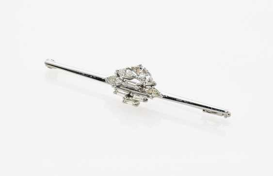 Needle with diamonds - photo 1