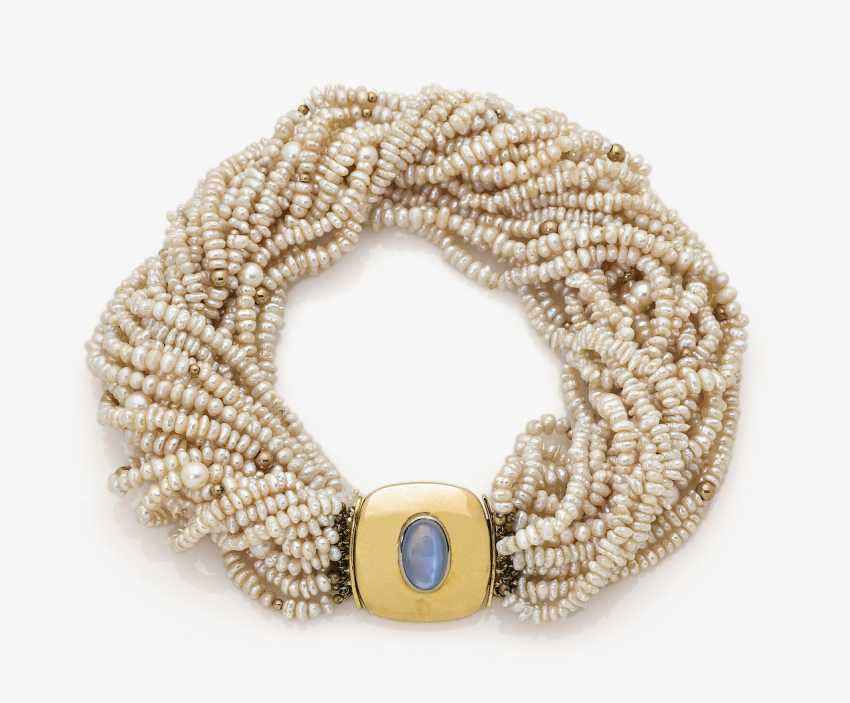 Collier de Chien with cultured pearl and moonstone - photo 1